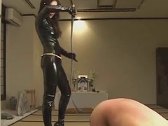 Femdom Kitagawa break faith with worshipping latex mistress during the life-span that punishing thrall :)