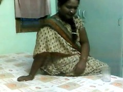 Delicious Indian Aunty Screwed by Adult Boy-friend on Hidden Cam