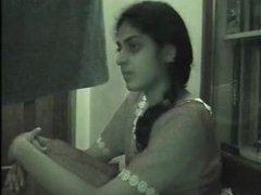 Cam: Indian University Gal HomeVid